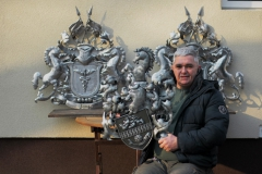 Wappen aus Metall mit Pferden - Familienwappen erstellen lassen